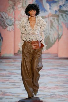 Zimmermann Fall 2018 Ready-to-Wear Fashion Show Collection