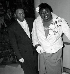 Hattie McDaniel and F. Yober at the Academy Awards, 1940 Classic Hollywood, Old Hollywood, Hattie Mcdaniel, People Of Interest, Famous Movies, Gone With The Wind, 1940s Fashion, Thing 1 Thing 2, Black History