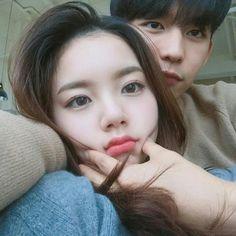 Image about girl in ulzzang couple💞 by Gytya on We Heart It Ulzzang Couple, Ulzzang Girl, Cute Korean, Korean Girl, Asian Boys, Asian Girl, Girl Couple, Couple Style, Korean Couple