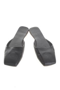 JIL SANDER Leather Slippers, Leather Sandals, Shoes Sandals, Dress Shoes, 1990s Shoes, Sock Shoes, Shoe Boots, Desert Clothing, Fashion Shoes