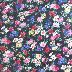 Blue Purple /& White Flower Fabric Piece Cotton Vintage 1970s Floral Rose Fabric Retro Rose Ribbon Material Remnant 2 yds