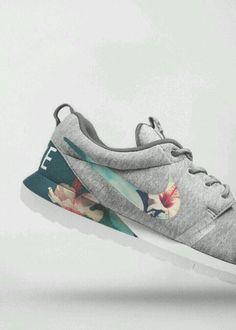 Nike - Grey/Flowerprint