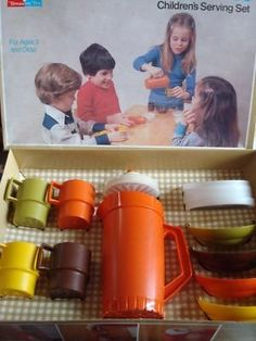 VINTAGE TUPPERWARE TOYS MINI SERVE IT... I still have the pitcher and a few other pieces. :)