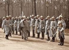 Kaiser Wilhelm II arrives in the Sieges-Allee in Berlin, Emperor Wilhelm II, center, arrives at the Sieges-Allee in the Tiergarten in Berlin on th. Sieges-Allee in Berlin World War One, First World, Ww1 Soldiers, Kaiser Wilhelm, Colorized Photos, Honor Guard, Military Pictures, Military Art, Military Diorama