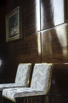 Shortcuts by Dedar. This jacquard pattern represents a heap of tangled ribbons whose three-dimensional surface effect is accentuated by a sophisticated matt/lustrous interplay on its surface.