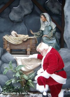 Santa Claus and The REAL meaning of Christmas Christmas Jesus, Meaning Of Christmas, Christmas Scenes, Very Merry Christmas, Father Christmas, Santa Christmas, Christmas Pictures, Country Christmas, Christmas Decor