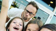 'OutDaughtered': Adam Busby Grabs Starbucks With Four Of His Girls