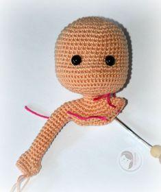 Crochet amigurumi one-piece doll. (Free pattern).
