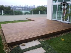 Platform deck with L shape to nestle in fire pit