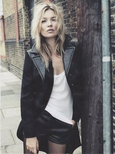 Kate Moss: leather / relaxed / casual
