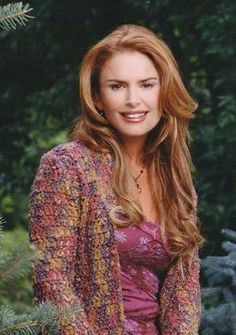 Roma Downey is an actress, singer, and producer, from Derry, Northern Ireland. She is best known as Tess's angel/employee in the successful American TV series Touched by an Angel. People Need The Lord, John Dye, Roma Downey, Touched By An Angel, Beautiful Redhead, Beautiful People, Beautiful Women, Elle Fanning, Film Serie