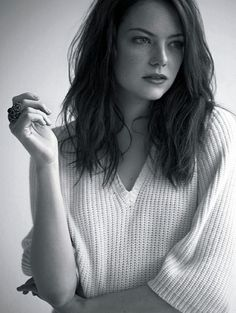 Thinking of this length for my hair. Plus I love Emma Stone.