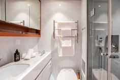 En suite head on Baltic 67 Baltic Yachts, Yacht Builders, Yacht Cruises, Sailing Trips, Best Insulation, Fine Hotels, Almost Perfect, Luxury Accommodation