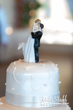 #wedding cake topper http://www.mikestaff.com/services/photography