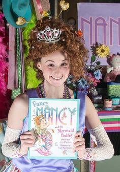 Fancy Nancy Costume, Book Week Costume, Trunk Or Treat, Pumpkin Ideas, Disney Junior, Book Lovers, Tea Party, Literature, Halloween Costumes