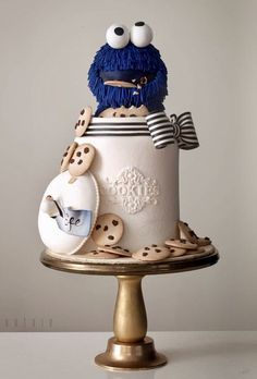 Cookie Monster in the jar cake