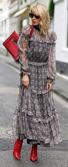 """Gitta Banko blogger """"Blondwalk"""" in Bycabo dress"""