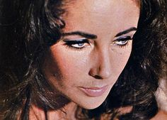 Elizabeth Taylor in the sandpiper. x