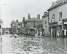St Thomas's, Exeter, Devon - floods ( date not known) Exeter Devon, England, St Thomas, Old Buildings, Garages, Victorian Era, Old Photos, Old Things, Shops