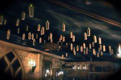 DIY: Aprende a hacer misteriosas velas flotantes para Halloween - https://decoracion2.com/diy-velas-flotantes-para-halloween/ #Iluminación_De_Halloween, #Proyectos_Diy, #Velas_Flotantes