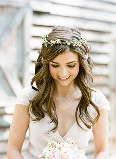 sweet floral crown + curls | Melissa Schollaert #wedding