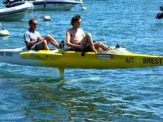 This Pedal-Powered Hydrofoil Canoe is the Coolest Thing You'll See Today Pedal Powered Kayak, Pedal Boat, Cool Boats, Small Boats, Utility Boat, Outrigger Canoe, Wood Boat Plans, Cabin Cruiser, Remo