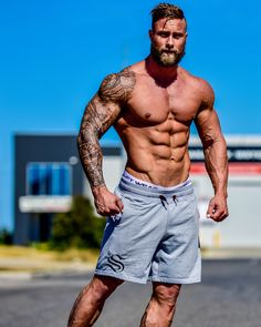 Mid Shorts - Grey - Strong Liftwear - Tap the pin if you love super heroes too! Cause guess what? you will LOVE these super hero fitness shirts! Fitness Goals, Fitness Motivation, Bodybuilding Workouts, Men's Bodybuilding, Bodybuilding Motivation, Muscle Men, Muscle Hunks, Mens Fitness, Fitness Shirts