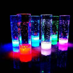 Set of 12 Modern Home LED Tall Cocktail Glass Colors Plus Fade - Vacation tumbler - Glow Stick Jars, Glow Jars, Glow Sticks, Sommer Pool Party, Glow In Dark Party, Neon Birthday, Birthday Parties, Long Drink, Led Licht