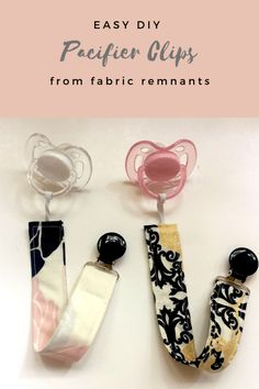 Pacifier Clip Tutorial, Pacifier Clips, Pacifier Holder, Baby Sewing Projects, Baby Sewing Tutorials, Sewing Patterns, Diy Bebe, Dummy Clips, Diy Ribbon