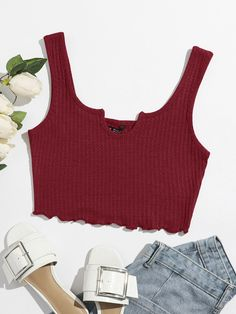 Cropped Tank Top, Crop Tank, Tank Tops, Fashion News, Fashion Outfits, Blazer, Cute Outfits, Clothes, Lei