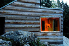 Slide show from Dwell magazine showing 7 tiny cabins