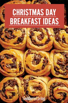 Choose from this lineup of delicious breakfast casseroles and breads, many with make-ahead options. While breakfast is baking, whip up a mug of cozy hot chocolate or blend a pitcher of festival cocktails for a mid-morning brunch. Gourmet Recipes, Brunch Recipes, Breakfast Recipes, Breakfast Club, Breakfast Ideas, Christmas Morning Breakfast, Christmas Brunch, Holiday Recipes, Christmas Recipes
