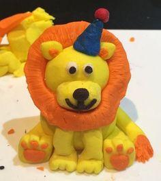 Lion fondant cake topper circus birthday