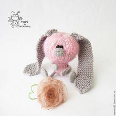 Вяжем милого зайку с цветными ушками - Ярмарка Мастеров - ручная работа, handmade