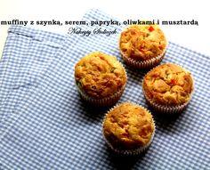 Wytrawne muffiny  Składniki (na 12 muffinek) : 320 g mąki 2 łyżeczki proszku do pieczenia 1 łyżeczka soli 250 ml mleka 60 ml oleju 1 jajko 1 łyżeczka musztardy ½ czerwonej papryki 12 zielonych oliwek 80 g szynki 1 duża garść żółtego, startego sera