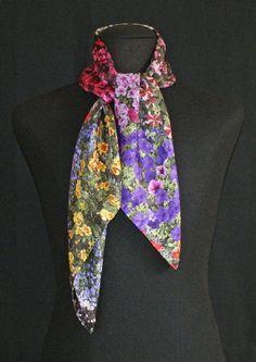 Flowers silk scarf. Malús Arbide.