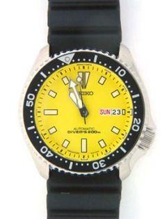 Seiko Men's SKXA35 Automatic Dive Urethane Strap Watch. Via http://pinterest.com/manmall/seiko-dive-watches/