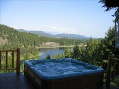 VRBO.com #294314 - 4 BR, Secluded, Hot Tub, 66 Acres Bootjack Lake, Whitefish