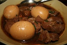 Thit Kho recipe (Vietnamese caramelized and braised pork with eggs )