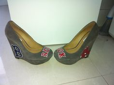 Boston Red Sox Baseball MLB Wedge Heels Women's Size 7 Grey Suede Shoes, $87 via 'chrystenfahey' on Etsy --- Too bad these don't come in my size! Too small! Also I don't wear heels anymore; My back can only tolerate flats! (cc: @soxygeologist) #RedSoxFansMakeBetterLovers