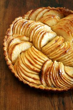 French Apple Tart & Cinnamon Snails, can also use apricots (with almonds or pistachio nuts), peaches, plums (with lemon zest and cherries), nectarines. Elegant Desserts, Just Desserts, Delicious Desserts, Dessert Recipes, Yummy Food, Baking Desserts, Dessert Food, Fall Desserts, Apple Recipes