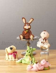 Fondant. Modelling paste animals