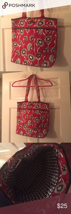 Vera Bradley tote Almost brand new, no marks. I have to re-measure just comment for the specs. Vera Bradley Bags Totes
