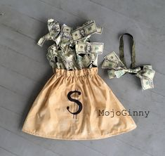 Money Bag… Custom Halloween Costume - All About Halloween Kostüm Baby, Diy Halloween Costumes For Women, Mother Daughter Halloween Costumes, Native American Halloween Costume, Group Costumes, Baby Costumes, Family Costumes, Boss Baby Costume, Unique Couples Costumes