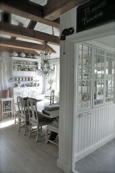 Love Your Homes ~ Traditional Scandinavian Breakfast Room
