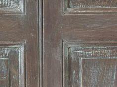 Porta laccata, dettaglio