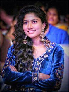 Beautiful Heroine, Beautiful Actresses, South Actress, South Indian Actress, Sai Pallavi Hd Images, Indian Women Painting, Senior Girl Poses, Actors Images, Beautiful Girl Photo