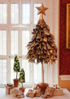 christmas-tree-diy 24 different christmas trees...definitely doing this!