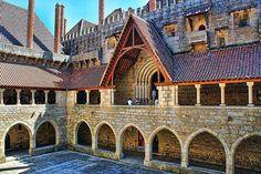 Paço dos Duques de Bragança in Guimarães, Região Norte | Portugal