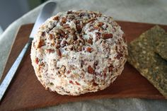 Vegan Jalapeño Havarti Cream Cheese Date Ball - This vegan cheese ball is perfect for parties or a potluck. Vegan Cheese Ball Recipe, Cheese Ball Recipes, Whole Food Recipes, Vegan Recipes, Date Balls, Vegan Appetizers, Veggie Dishes, Food And Drink, Cream